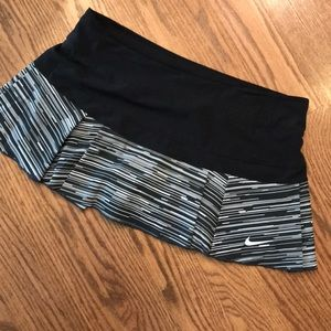 Nike Skort Black/white L